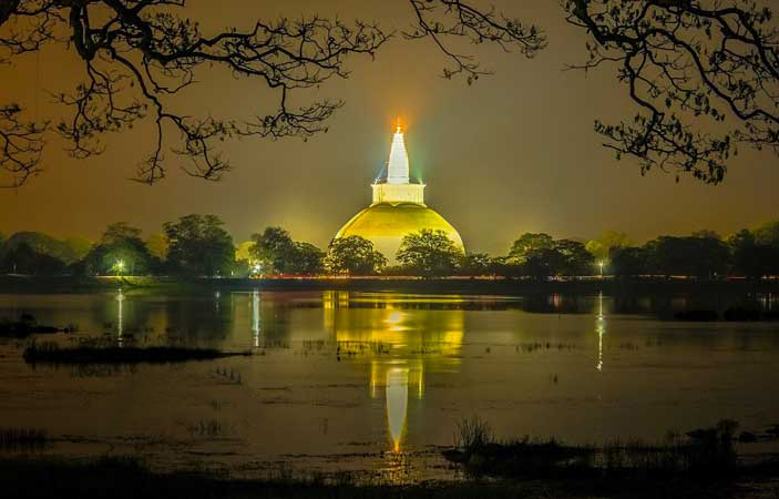 Ruwanweliseya seen at night is one of the most unforgettable  things